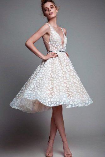 V-Neck Wedding Dress With Modern Pattern #modernweddingdress #moderndress