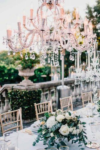 Beautiful White Centerpieces #weddingdecor #weddingcenterpieces