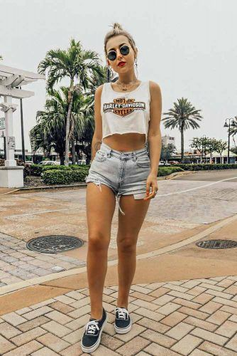Soft Grunge Look With Shorts And Printed Top #shorts #top