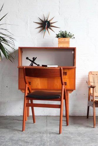 Simple Wood Retro Secretary Desk #retrofurniture
