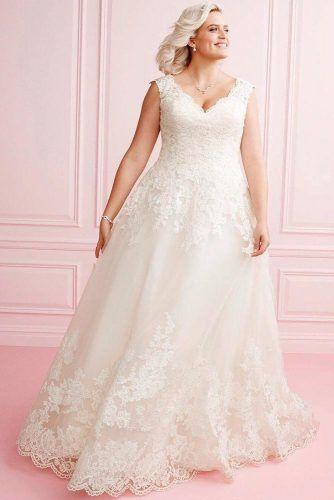 Simple Lace Plus Size Wedding Dresses #laceweddingdress #plussizedress