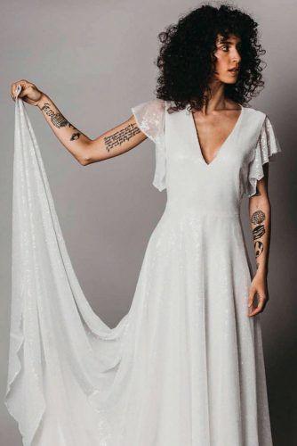 Elegant Wedding Dress With Short Sleeves #shortsleevesdress #longweddingdress
