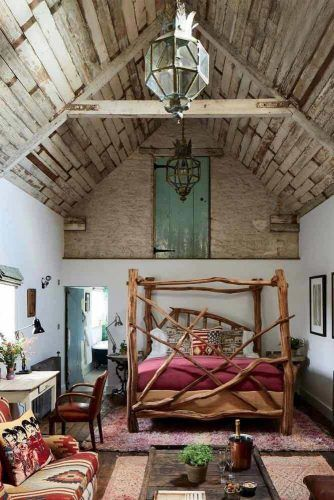 Bedroom Design In Boho Style With Vaulted Ceiling #bohobedroom