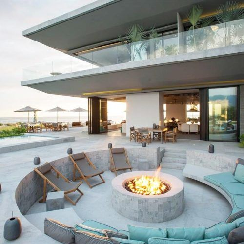 Cozy Round Fire Pit Area #roundfirepit