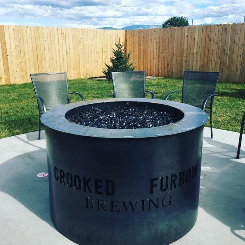 Minimalist Backyard Space With Steel Fire Pit #customfirepitdesign