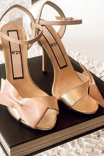 Gold And Cream Sandals With A Side Bow #opentoeheels