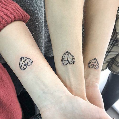 Easy Geometric Heart Tattoos For Special People  #matchingtattoo #bestfriendtattoo #sistertattoo