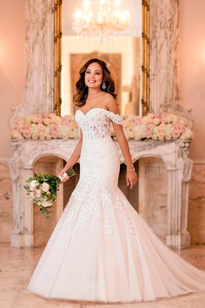 Falling Sleeves Mermaid Wedding Dress #fallingsleeves #chicweddingdress