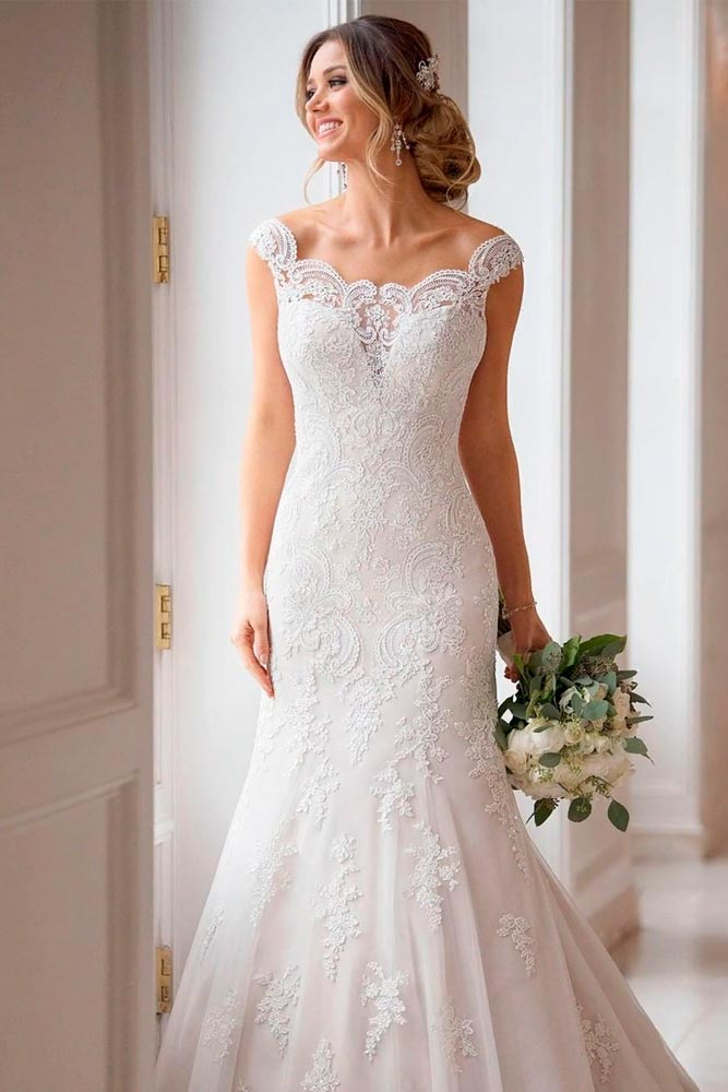 Shoulder Off Wedding Gown #weddinggown #shoulderoff
