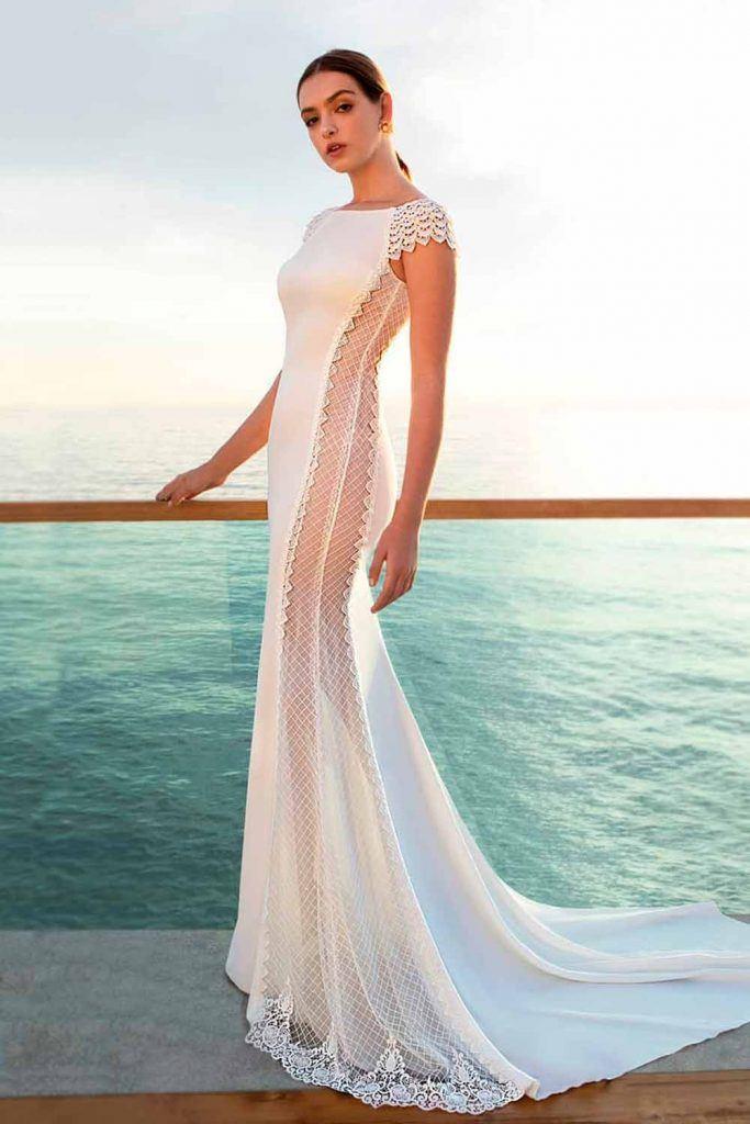 Casual Trumpet Wedding Dress Style #casualdress #modernweddingdress