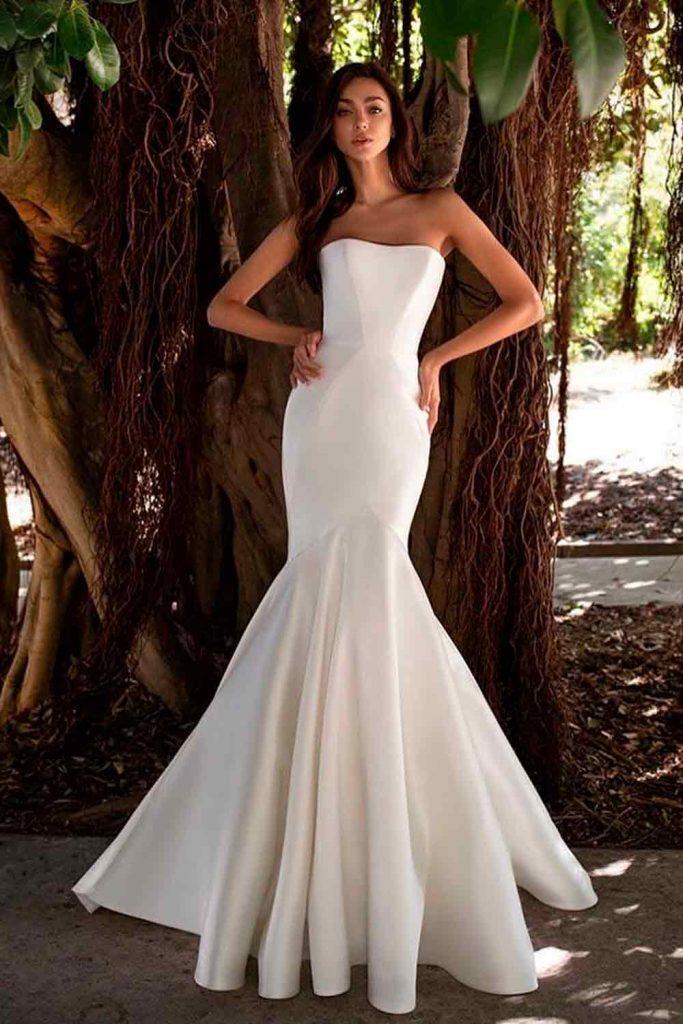 Simple Satin Wedding Dress #simpledress #weddinglook