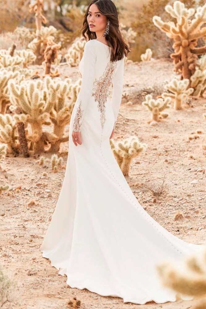 Simple Mermaid Wedding Gown With Lace Back #simpleweddingdress #bohoweddingdress