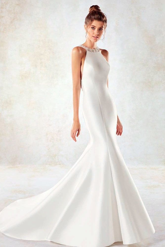 Simple Mermaid Gown With Halter Neckline #simpleweddingdress #longweddingdress