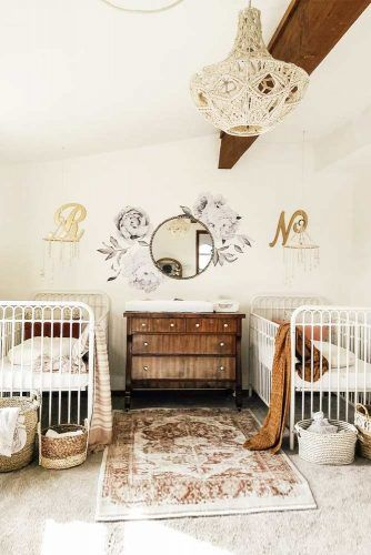 Vintage Nursery Idea For Twin Girls #vintagenursery #twinnursery