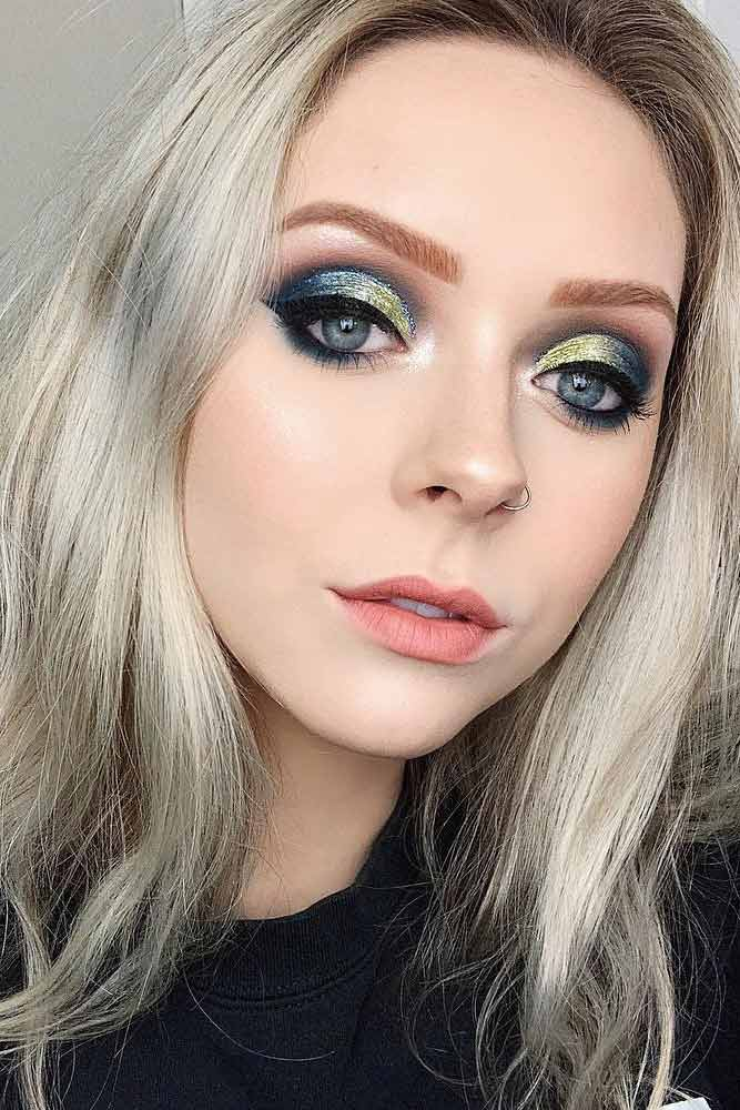 Makeup Idea With Bold Eyes #glittershadow