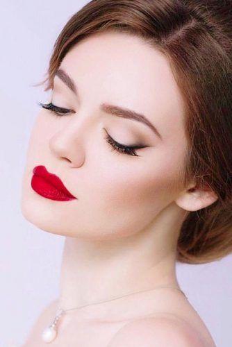 Pale Skin Undertones #redlips #smudgeeyeline