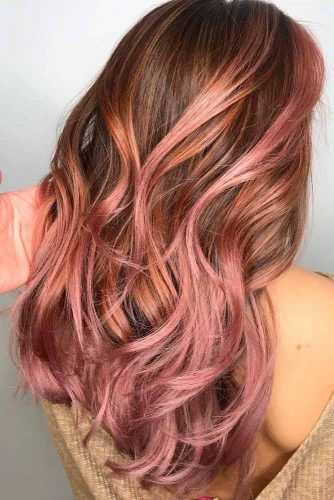 Brown Hair With Strawberry Pink Highlights #wavyhair #hairhighlights #brownhair