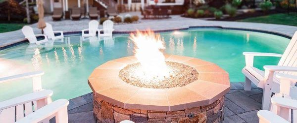 18 Fire Pit Designs That Will Make Your Friends Beg For A Bonfire Party