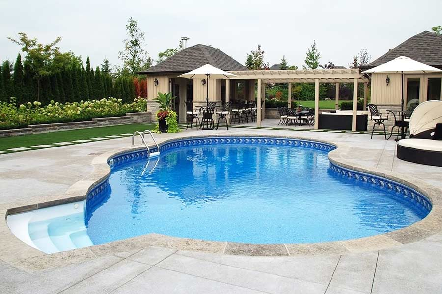Interesting Pool Deck Ideas To Introduce Into Your Backyard