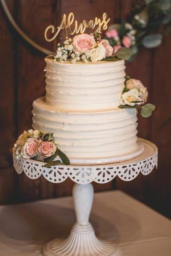 Talking Wedding Toppers #weddingcake #toppers #cake