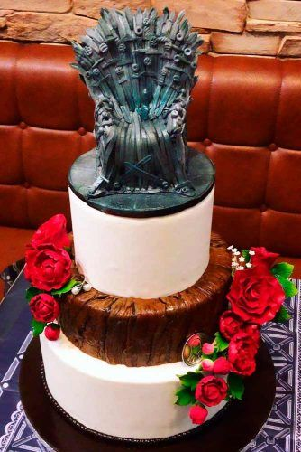 Sugar Iron Throne #weddingcake #toppers #cake