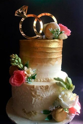Paper Gold Rings  #weddingcake #toppers #cake