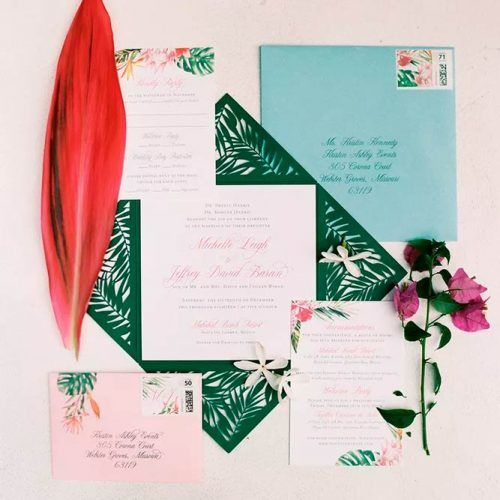 Pretty Beach-Themed Wedding Invitations #wedding #weddinginitations