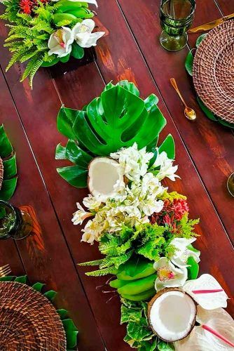 Beach Wedding Centerpieces #weddingcenterpieces #weddingflowers