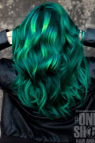 Dark Green With Bright Highlights #colorfulhair #hairhighlights