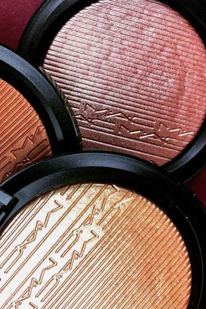 MAC Extra Dimension Skinfinish Highlighter In Beaming Blush #machighlighter