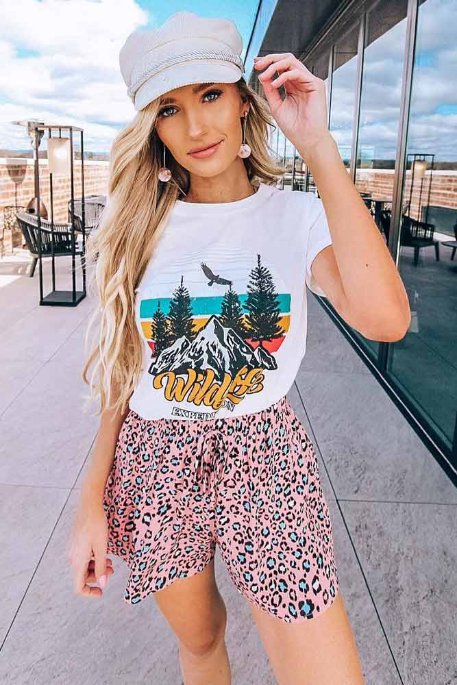 Pink Leopard Shorts With White T-shirt Outfit #leopardshorts