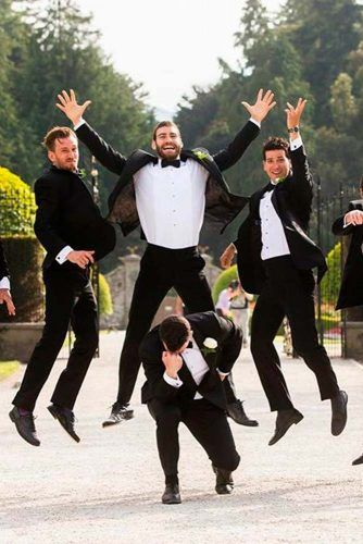 Fun With Groomsmen #wedding #weddingphoto #groom
