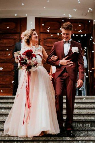Rose Petals Rain #wedding #weddingphoto