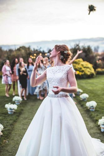 Tossing The Bouquet #wedding #weddingphoto #bride