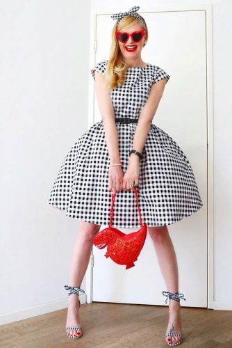 Gingham Printed Dress Outfit #pinupdress #printeddress