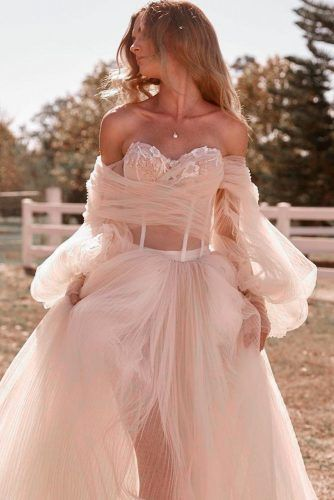 Unique Off-the-Shoulder Bridal Gown #uniqueweddingdress #weddingdress