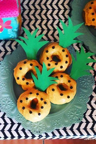 Pineapple Donuts Idea #donutsidea #pineapple