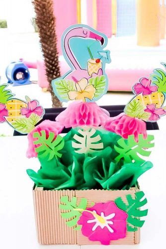 Tropical Centerpiece Idea #papercenterpiece