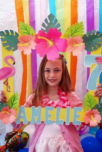 Tropical Photo Booth #tropicalphotobooth