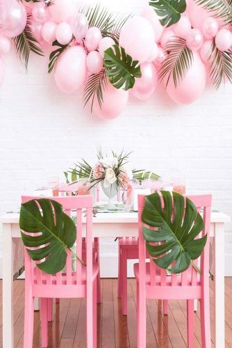 Pink Luau Party Theme #balloons #palmsleaves