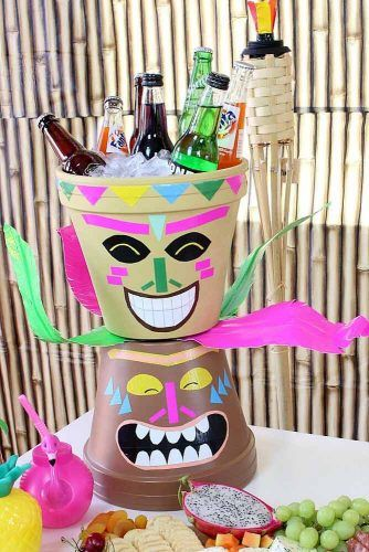 Drinks Holder Design For Luau Party #tikiman #drinksholder
