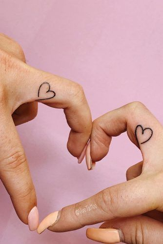 Small Heart Tattoos #hearttattoo #fingertattoo