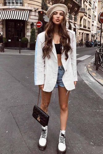 Oversize Jacket With White Boots Outfit #whitejacket #denimshorts