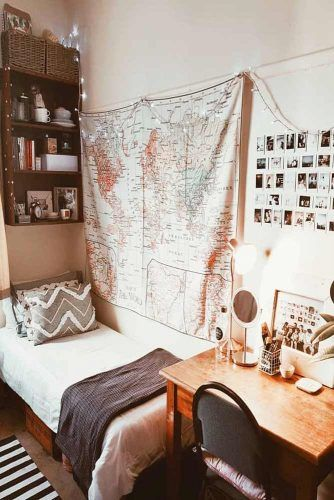 Dorm Room Idea With Map Wall Decor #mapwalldecor #spaceorganization