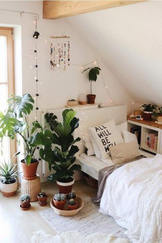 Plants For Dorm Room Decor #plantdecor #bohostyle