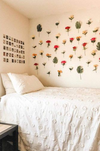 Flower Wall Decor Idea #flowerdecor #photodecor