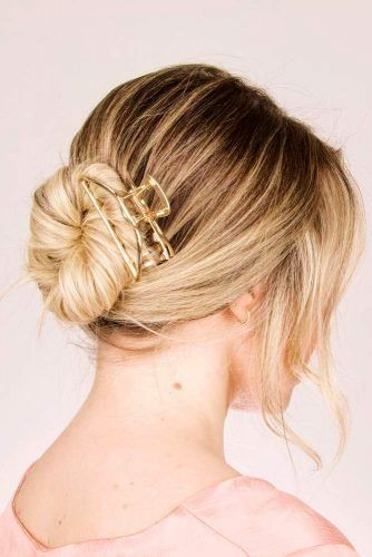 Claw Clip #easyhairstyles #hairaccessories