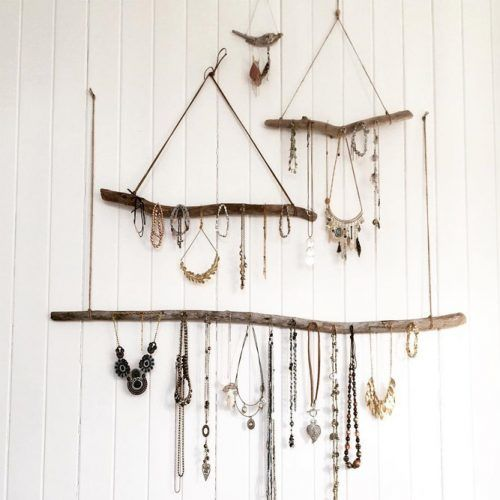 Rustic Jewelry Organizer Idea #necklacehanging