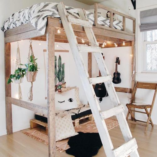 Rustic Loft Bed For Boho Bedroom Design #bohobedroom #plants