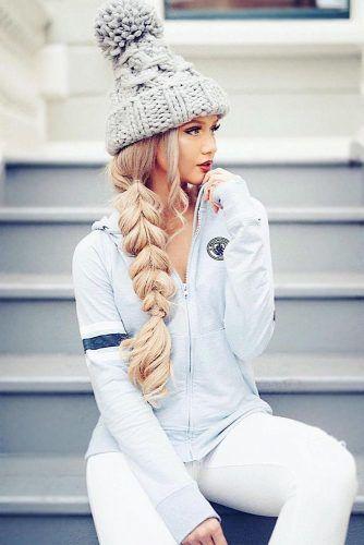 Pompom Hat #winterhat